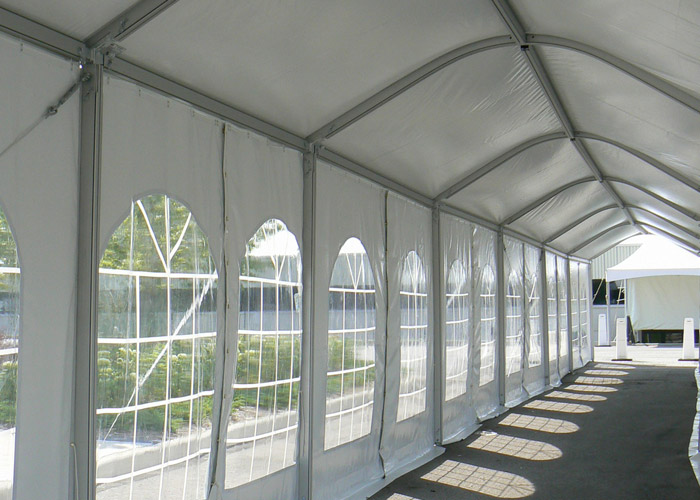 high-peak-frame-tent-marquee-tente-marquise-petit-chapiteau